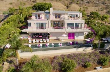 2019 Barbie Malibu Dreamhouse Airbnb