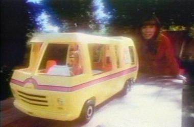 1976 Barbie Traveler Commercial